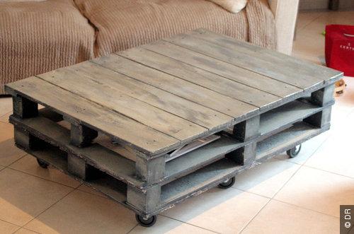 Les meilleures id es de meubles en palettes les bons for Table de salon palette