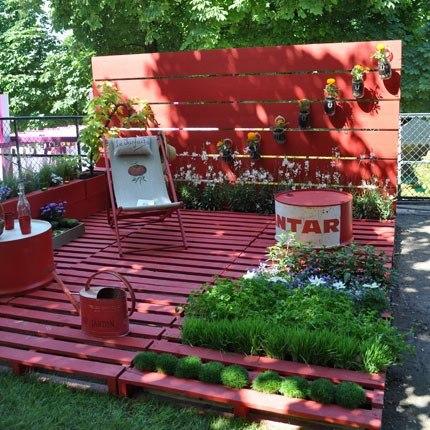 Espace jardin en palettes