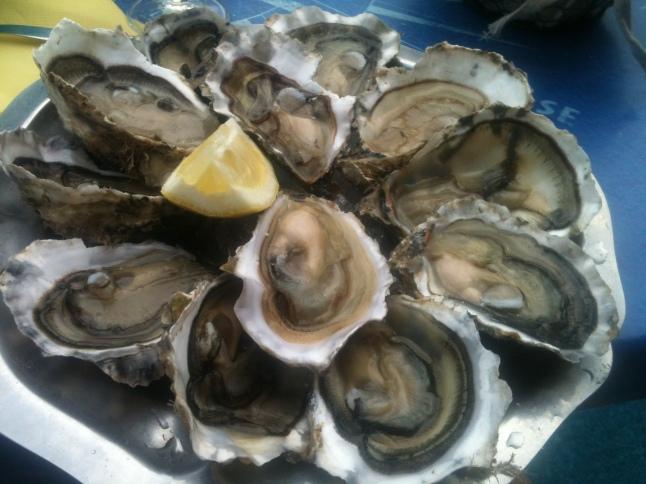 Le plateau d'huîtres moyennes au Mas Bleu <3