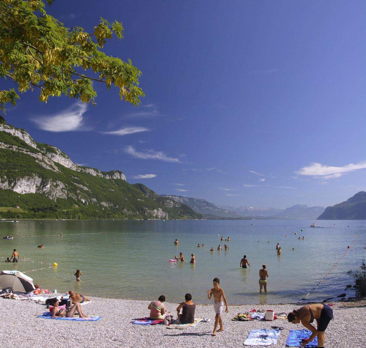 8 lieux de baignade gratuits pour l t les bons plans for Camping bourget du lac avec piscine